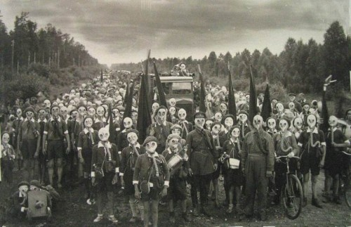 The Town Where Everyone Wears A Gas Mask details life in Miyakejima, Japan, where an active volcano had spewed poisonous gas for the last two decades. Rather than leave, the 3,000 inhabitants decided to wear gas masks 24/7 so they could remain on the island.