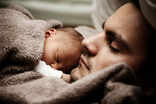 This is the true love of father and baby.