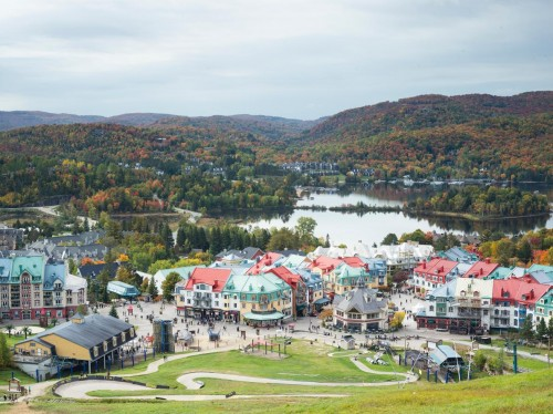 Although there's plenty to keep visitors busy in Montreal itself, just outside the city you'll find beautiful regions offering an incredible range of activities: lake cruises and mountain biking, leisurely antiquing and wine-tasting.