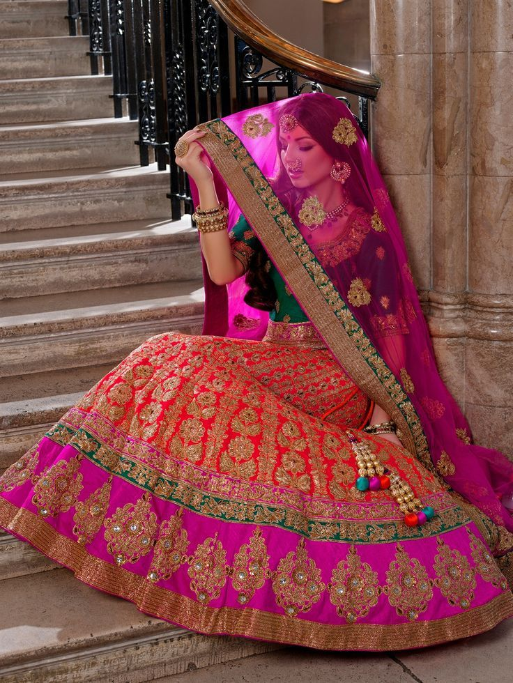 indian clothes essay Do you know any fancy dress that is perfect fit for every figure no well, today i will introduce the traditional clothing of the most indian women, which is called.
