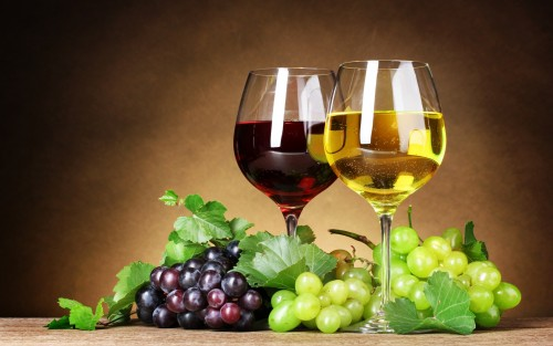 Wine-Red-White-Grapes-Berries-Leaves-Glasses-Fruit-Wallpaper-HD.jpg