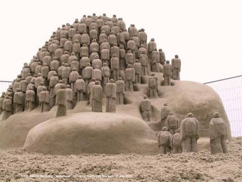 amazing-sand-sculpture.jpg