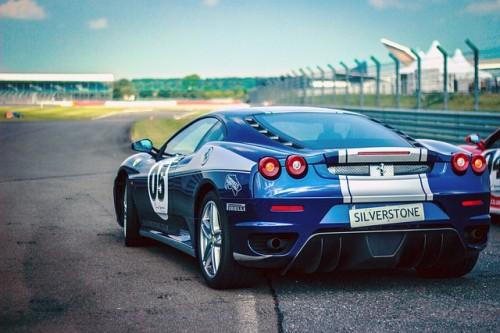 car-race-438467_640.jpg