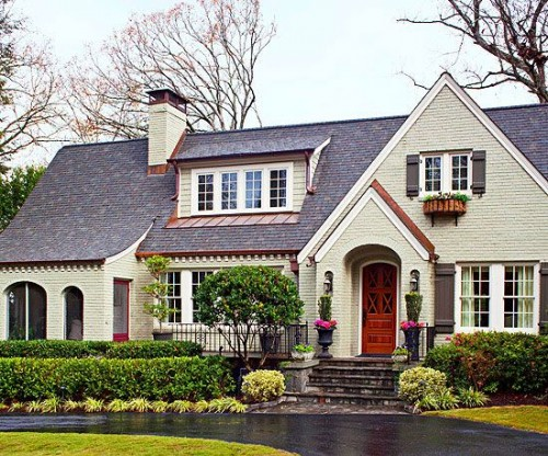 Fresh Traditional Style Home