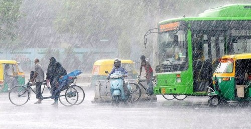 delhi-roads-on-a-rainy-day.jpg