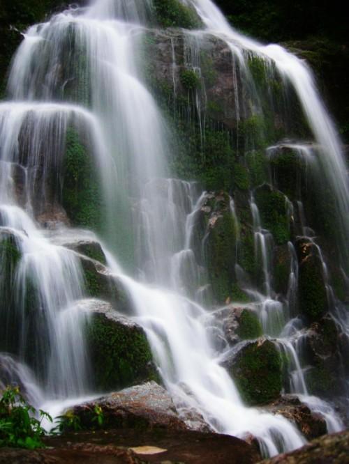 waterfall22487.jpg
